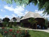 letovanje bosna i hercegovina smestaj Etno selo Stanisici i hotel Pirg