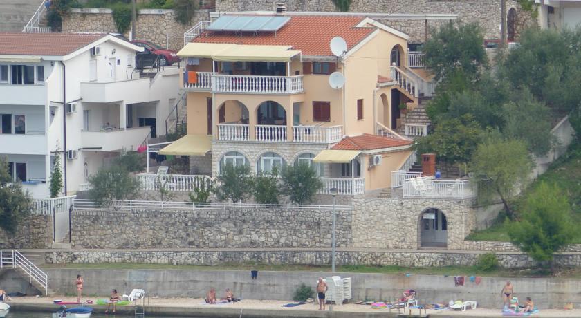 online rezervacije Apartments Villa Anita