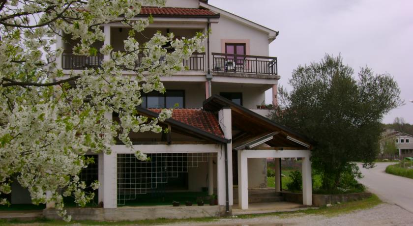 online rezervacije Guest House Robi