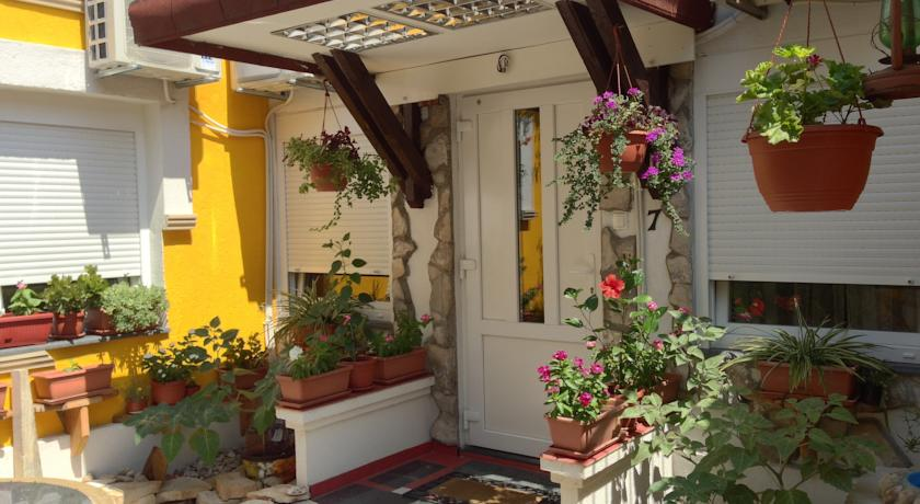 online rezervacije Guesthouse 7even
