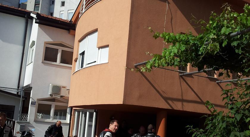 online rezervacije Guesthouse Stari Grad