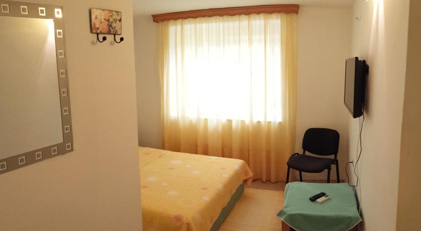 online rezervacije Hostel Lena