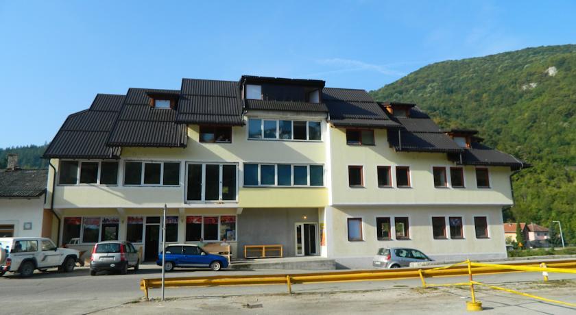 online rezervacije Jajce Youth Hostel