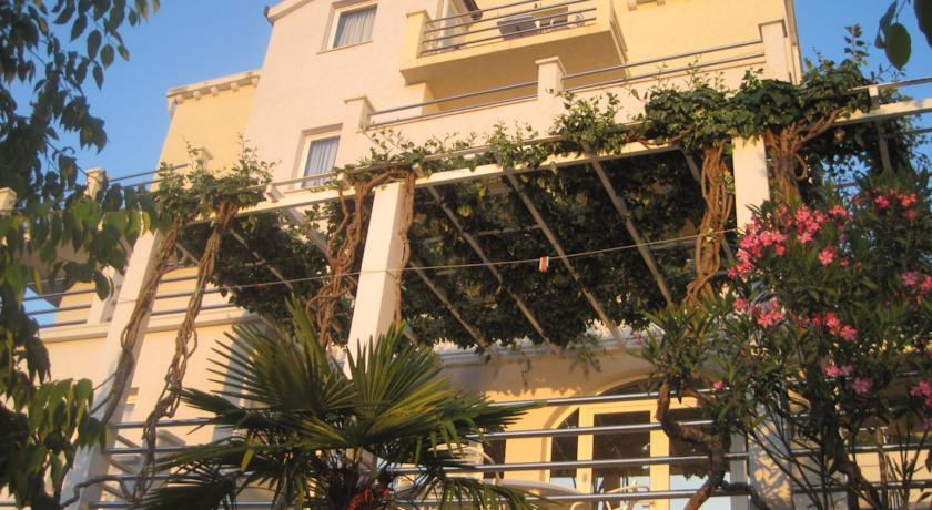 online rezervacije Villa Obad Guest House