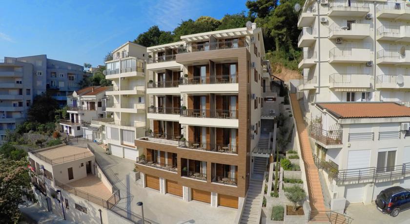 online rezervacije Aparthotel Villa Aria