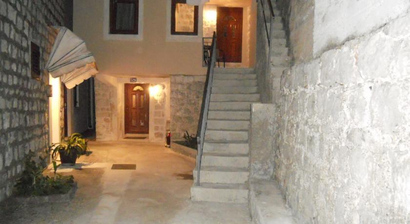 online rezervacije Apartmani Ana