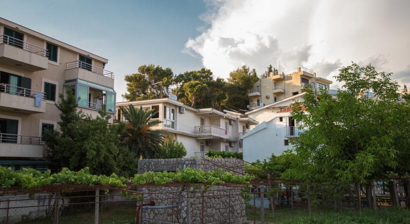 online rezervacije Apartmani Mina