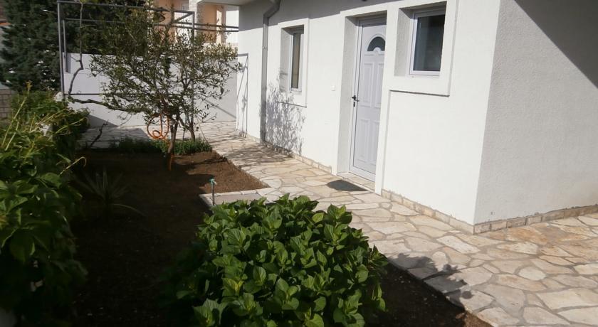 online rezervacije Apartmani Radulovic