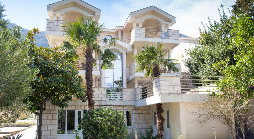 online rezervacije Apartments and Rooms Troya