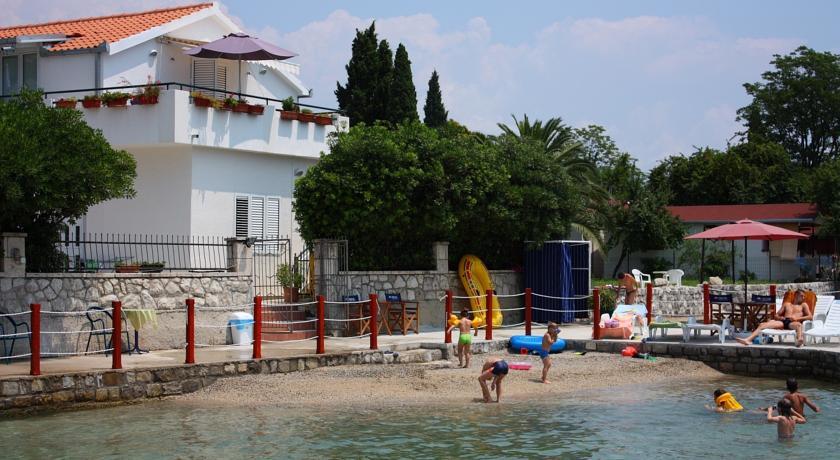 online rezervacije Apartments Batricevic