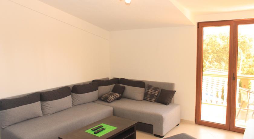 online rezervacije Apartments Lustica