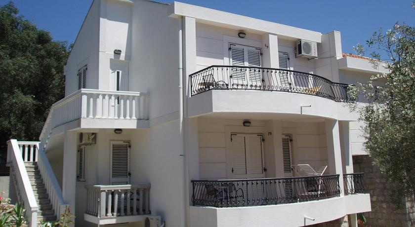 online rezervacije Apartments Medin Danilo