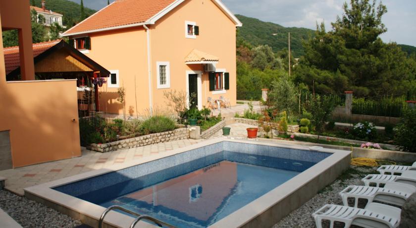 online rezervacije Apartments Moj Mir
