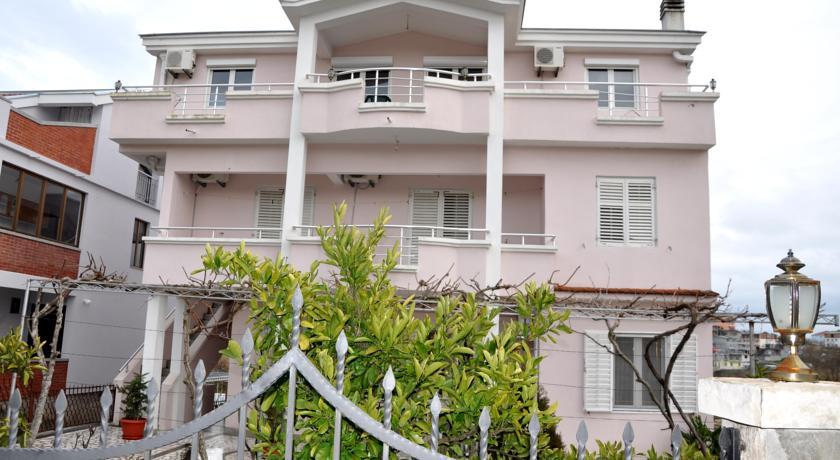 online rezervacije Apartments Perezaj