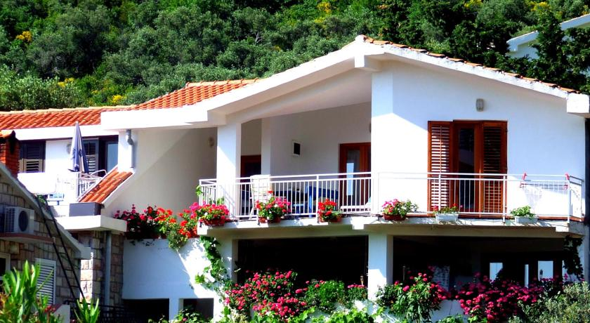 online rezervacije Apartments Sveti Stefan NR Lux