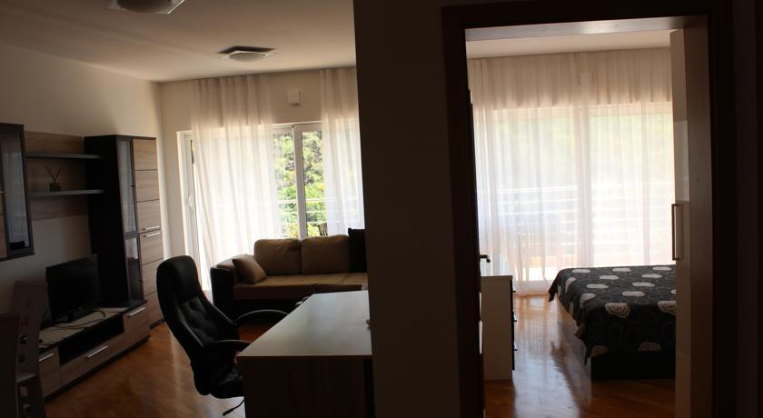 online rezervacije Apartments With Sea View
