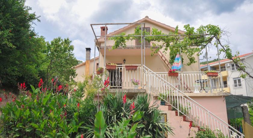 online rezervacije Bozovic Apartment