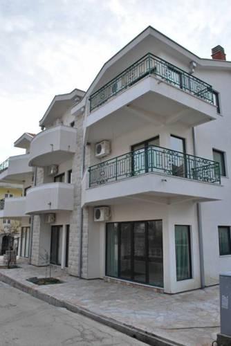 online rezervacije Đenovići Apartments