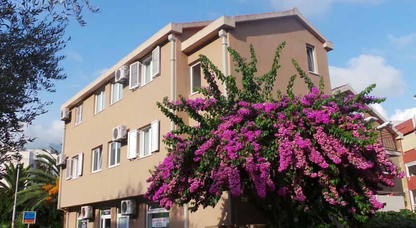 online rezervacije El Mar Apartments