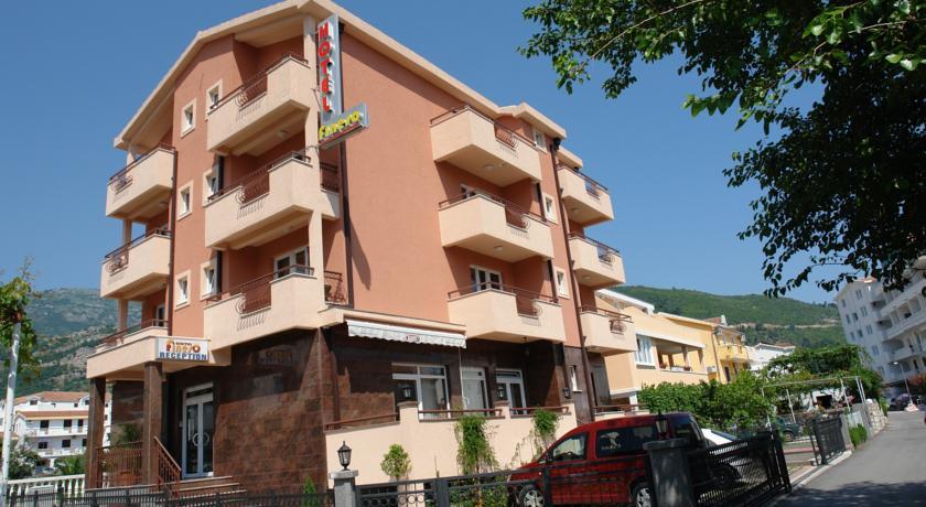 online rezervacije Garni Hotel Fineso