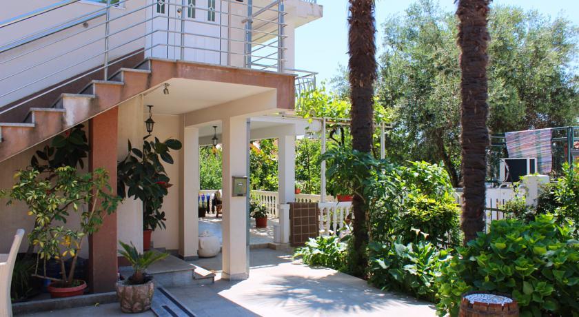 online rezervacije Glavica Becici Rooms