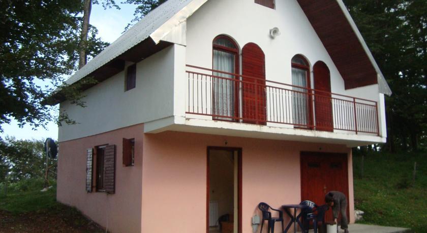 online rezervacije Holiday Home Gara2