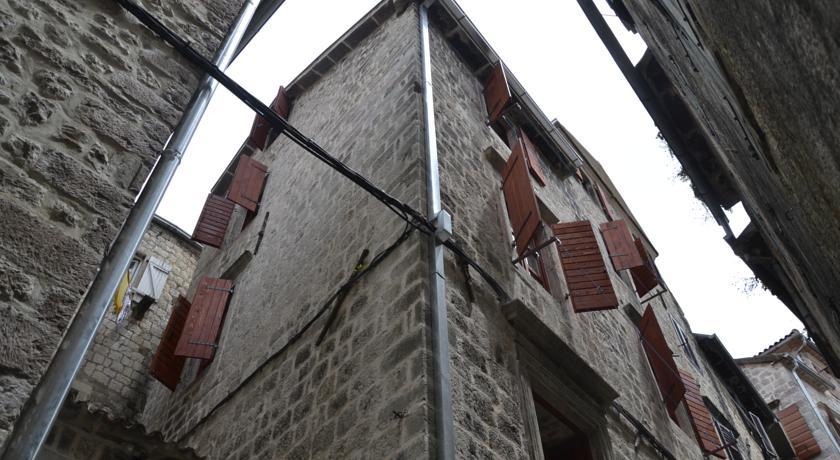 online rezervacije Hostel Old Town Kotor