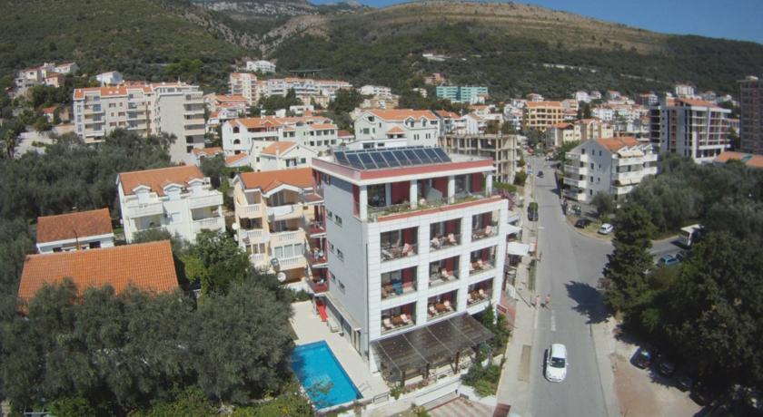 online rezervacije Hotel Petrovac