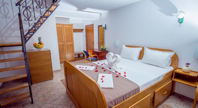 online rezervacije Hotel Pharos