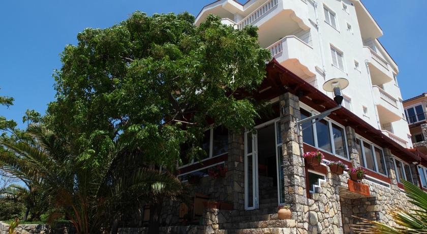 online rezervacije Hotel R