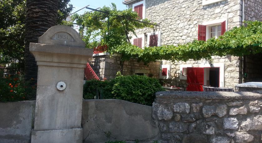 online rezervacije House in Buljarica