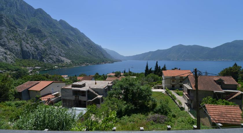 online rezervacije J & P Apartments Orahovac