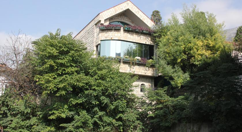 online rezervacije Kuca Sutomore