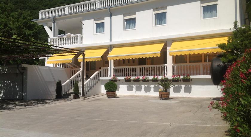 online rezervacije LaSestre Rooms