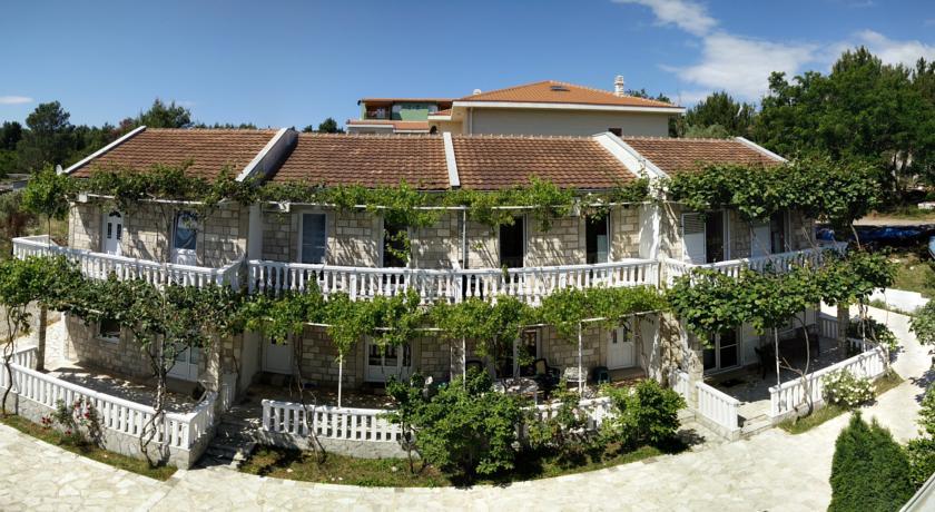 online rezervacije Maki Apartments