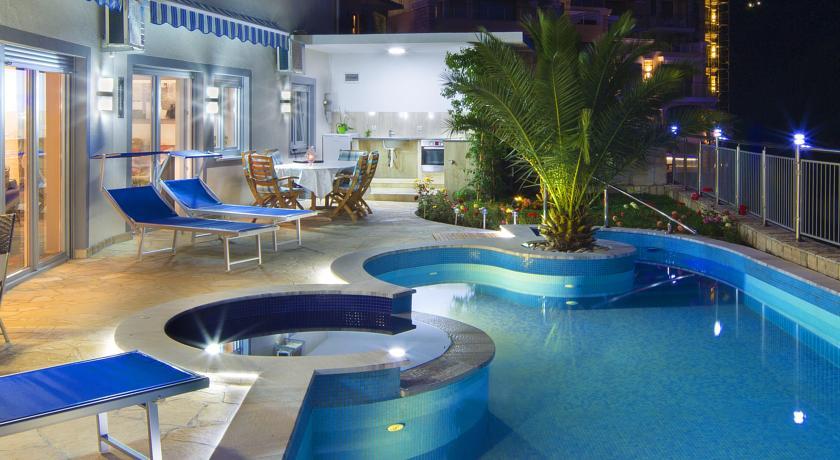 online rezervacije Montelux Apartments