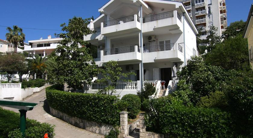 online rezervacije Nikic Apartments