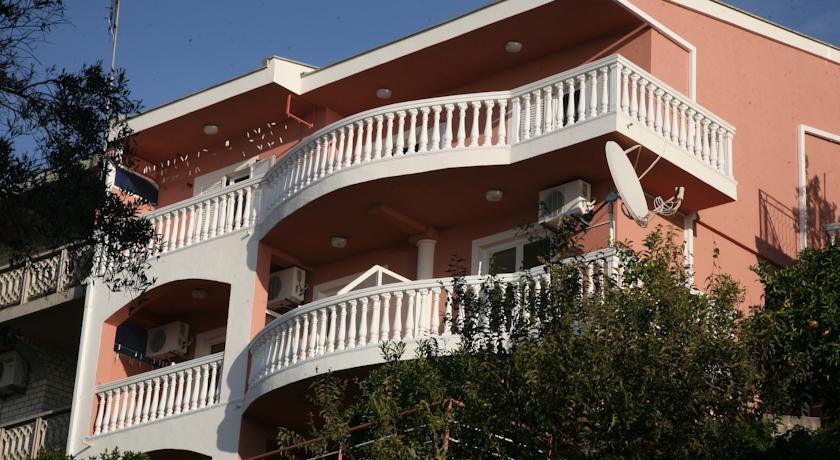 online rezervacije Omega Apartments