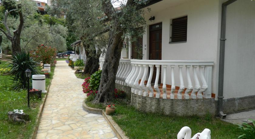 online rezervacije President Bungalows and Apartments