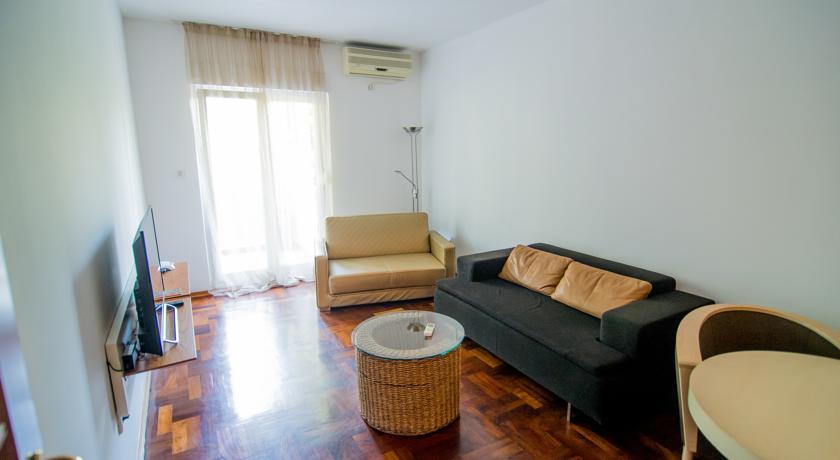 online rezervacije Roman Square Apartments