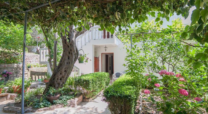 online rezervacije Rooms Garden