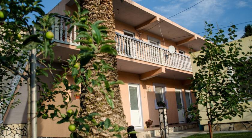 online rezervacije Rooms Lazarević