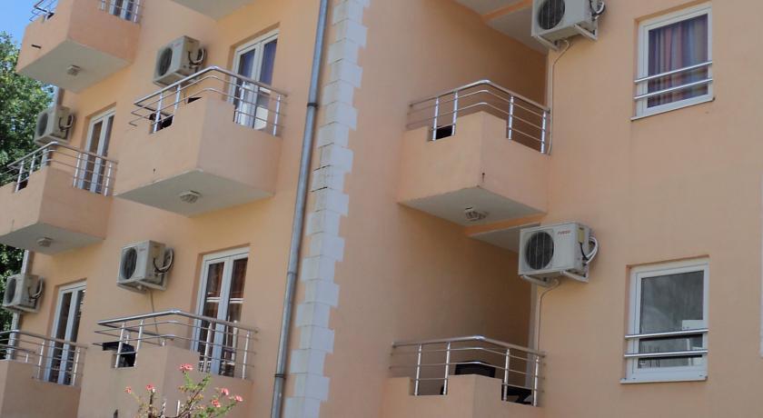 online rezervacije Sun Hostel Budva