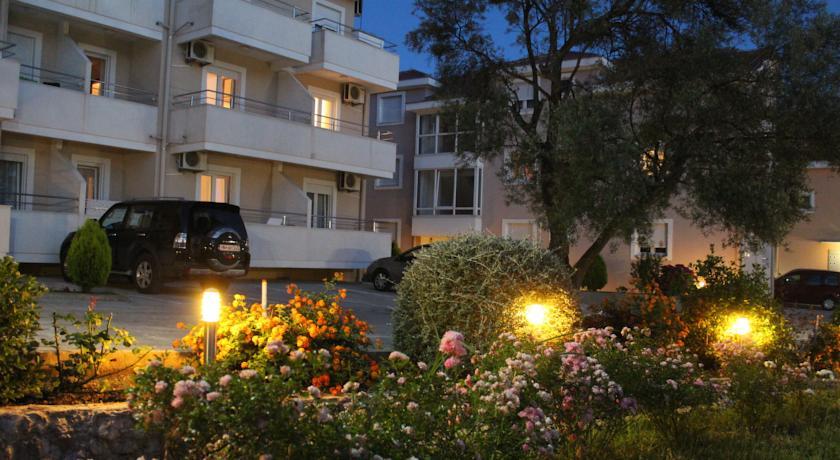 online rezervacije Sun Village Apartments Djenovici