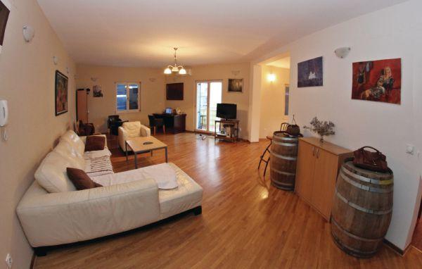 online rezervacije Three-Bedroom Apartment Igalo 0 01