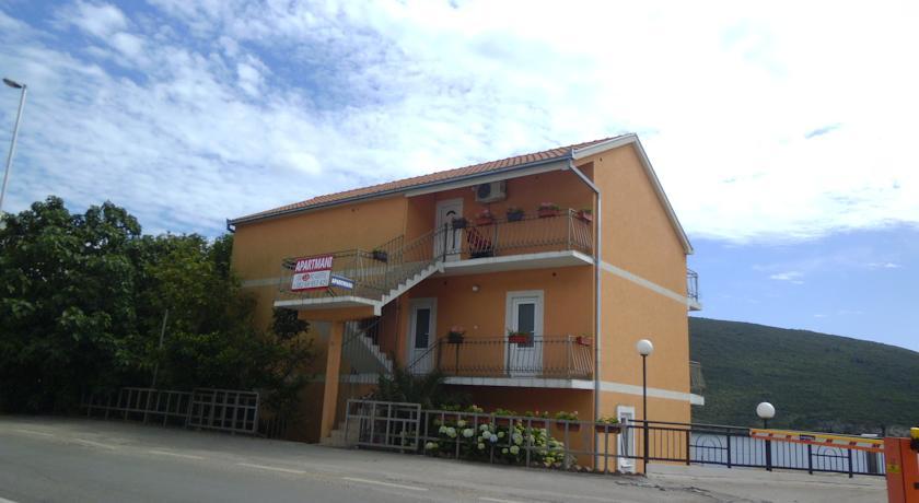 online rezervacije Villa Angelina