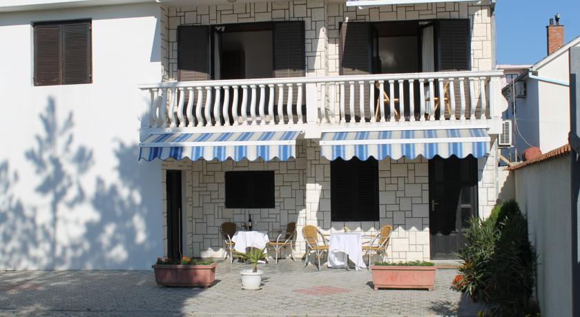 online rezervacije Villa Elena