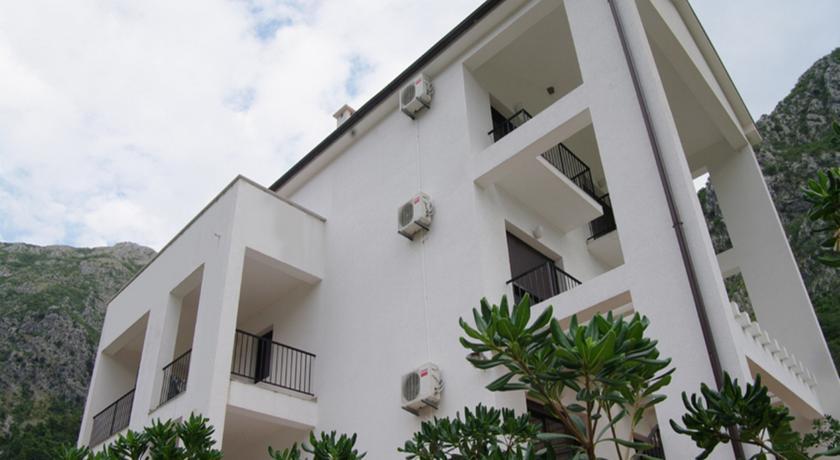 online rezervacije Villa Risan