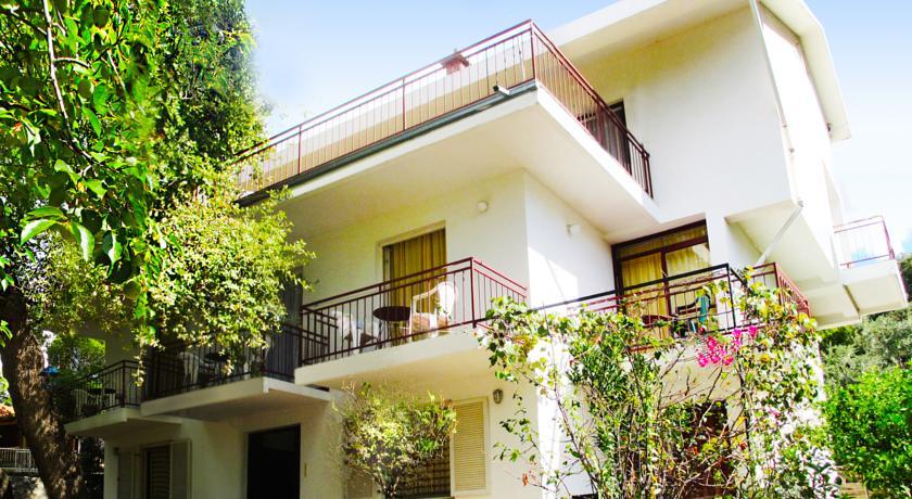 online rezervacije Zelen Residence