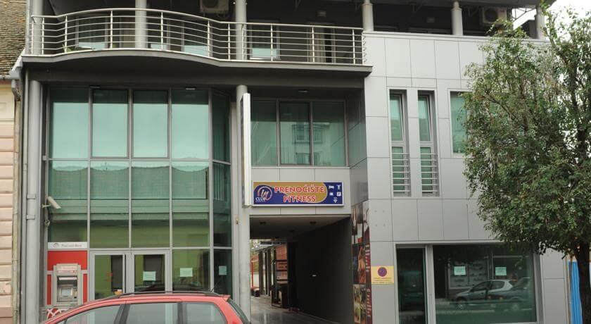 online rezervacije Apartment and Rooms In Club